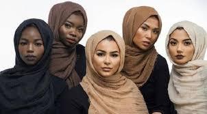 Ada 4 Warna Hijab Bisa Membuat Kulit Kamu Terlihat Kusam!