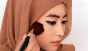 Beberapa Cara Make Up Minimalis Cocok  Untuk Bentuk Wajah Hijaber