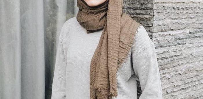 Makin Populer Hijab Crinkle dari Kain Lecek