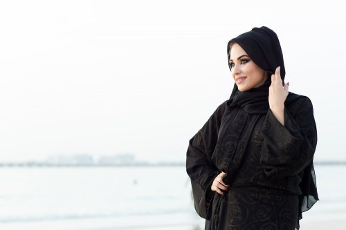 Beberapa Rekomendasi Jika Kamu Suka Baju Muslim Warna Hitam