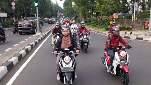 Hijabers Harus Tampil Menawan Walau Setiap Hari Naik Motor