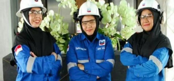 Chevron Desain Hijab Khusus Pekerja Muslimah Dan Juga Sebagai Pelindung