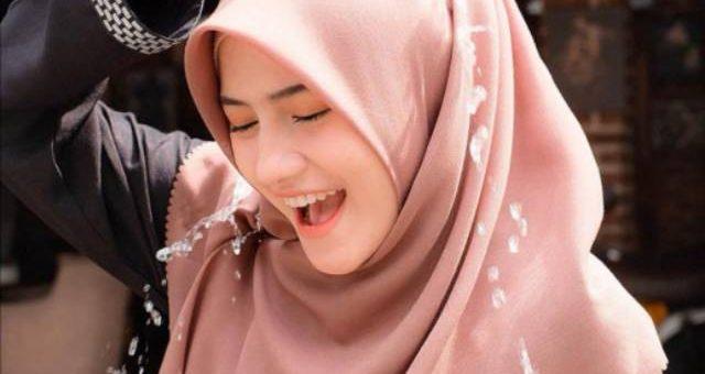 Trend bahan Hijab Anti Air untuk Musim Hujan Agar Penampilan Tetap Stylis