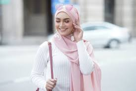Trik Agar Hijab Makin Stylish dan Tidak Monoton