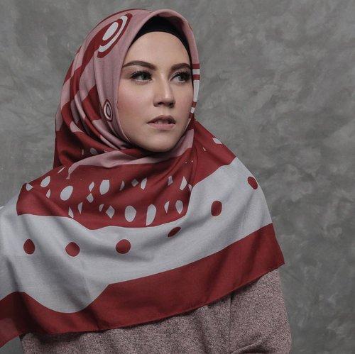 Hijab Segi Empat Lebar Kian Mempesona Dan Syar I Avanascarf