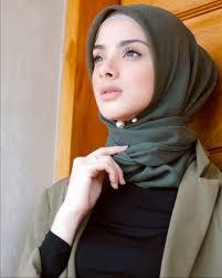 Beberapa Cara Memakai Tuspin Mutiara Supaya Hijab Terlihat Anggun