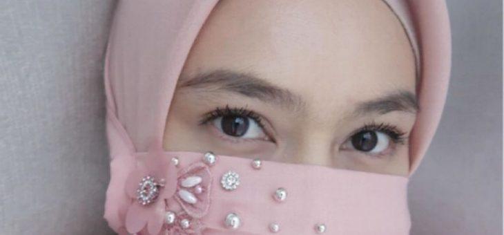 Melody Laksani Tutupi Wajah dengan Hijab Masker, Betapa Cantiknya