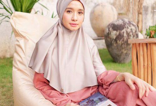 Gaya Modis Hijab Instan Laudya Cynthia Bella Saat Di Rumah