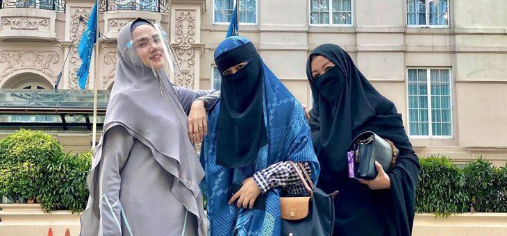 Hangout Di Saat Pandemi, Inilah Penampilan Mulan Jameela Gunakan Face Shield