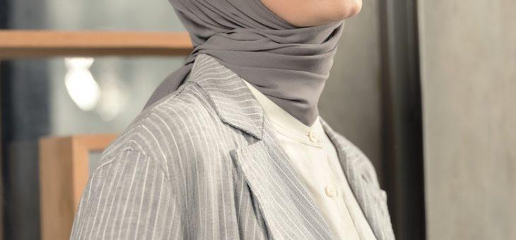 Ayudia Bing Slamet Memperkenalkan Model Gaya Hijab Hijami