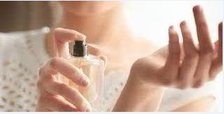 Hijabers… Inilah 5 Aroma Parfum Untuk Muslimah yang Akan Membuat Pria Jadi Suka Kamu