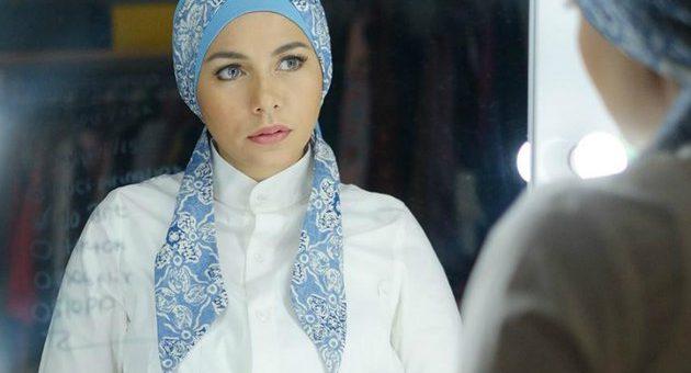 Minimalis dan Simple, Model Gaya Hijab Turban Etnik Khas Meisya Siregar