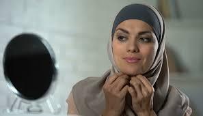 Solusi Bahan Hijab Mudah Kusut, inilah Trik Cara Memakainya