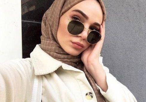 Tips Memakai Hijab dengan Kacamata Supaya Tetap Anggun dan Nyaman