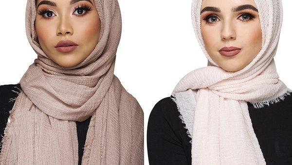 Beberapa Gaya Hijab Pashmina Crinkle, Hijab Anti Kusut Yang Sedang Populer