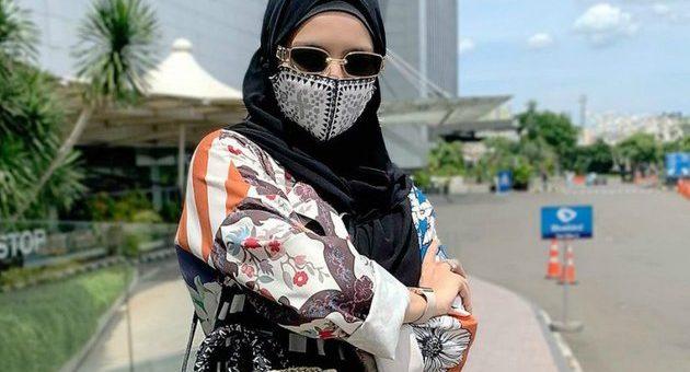 Gaya Outfit di saat Pandemic khas Selebgram Vivi Zubedi