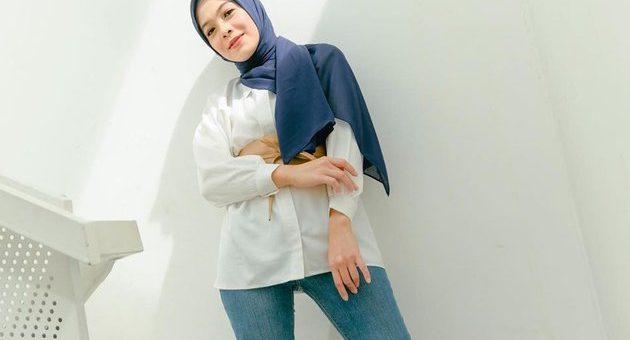 Simpel Minimalis, Mix and Match Outfit Navy khas Dian Ayu Lestari