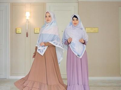 Hijaber Jadi Terlihat Awet Muda, Inilah Tips Mix and Match Gamis dan Hijab