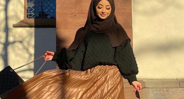 Beberapa Gaya Hijab Dengan Rok Plisket untuk Segala Suasana
