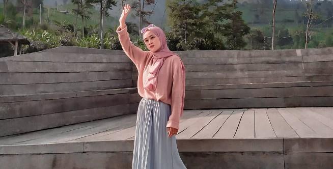 Cobalah 5 Outfit Untuk Hijab Kamu yang Kekinian dan Milenial