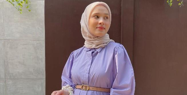 Inspirasi Hijab Outfit 'Lilac' Untuk Ibu Hamil Ala Selebgram Dwi Handayani