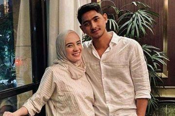 Istri Arya Saloka yang Cantik dengan Gaya Hijab Sporty Casual