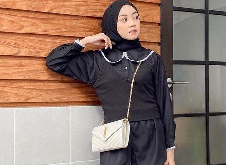 Rekomendasi Black Outfit Hijab Elegan untuk Acara Buka Puasa