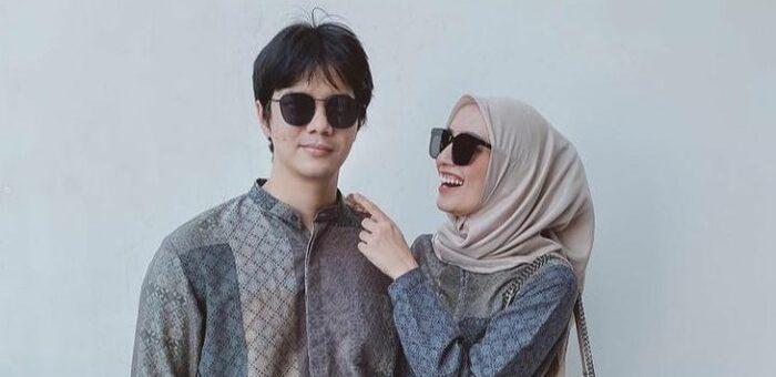 Rekomendasi Baju Lebaran Couple khas Mega Iskanti yang Elegan dan Modis