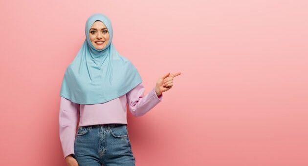 Mix and Match Hanya dengan Celana Denim, Outfit yang Trendy