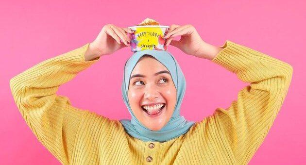 Busana Hijab Outfit Colorful yang Layak Jadi Referensi Kamu
