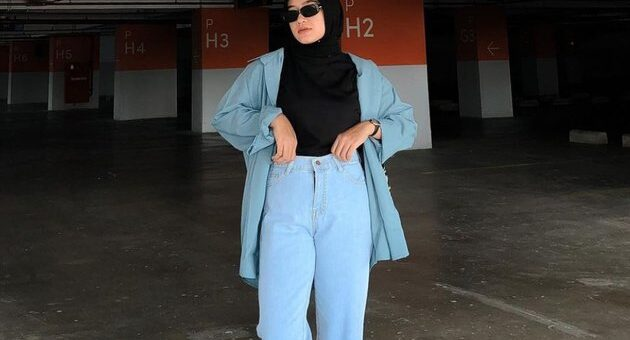 Tips Mix and Match High Waist Jeans Kaki Hijabers Jadi Lebih Jenjang